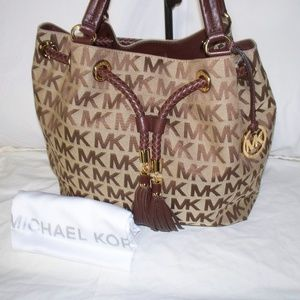 Michael Kors Jet Set Signature Drawstring Bag~NWT